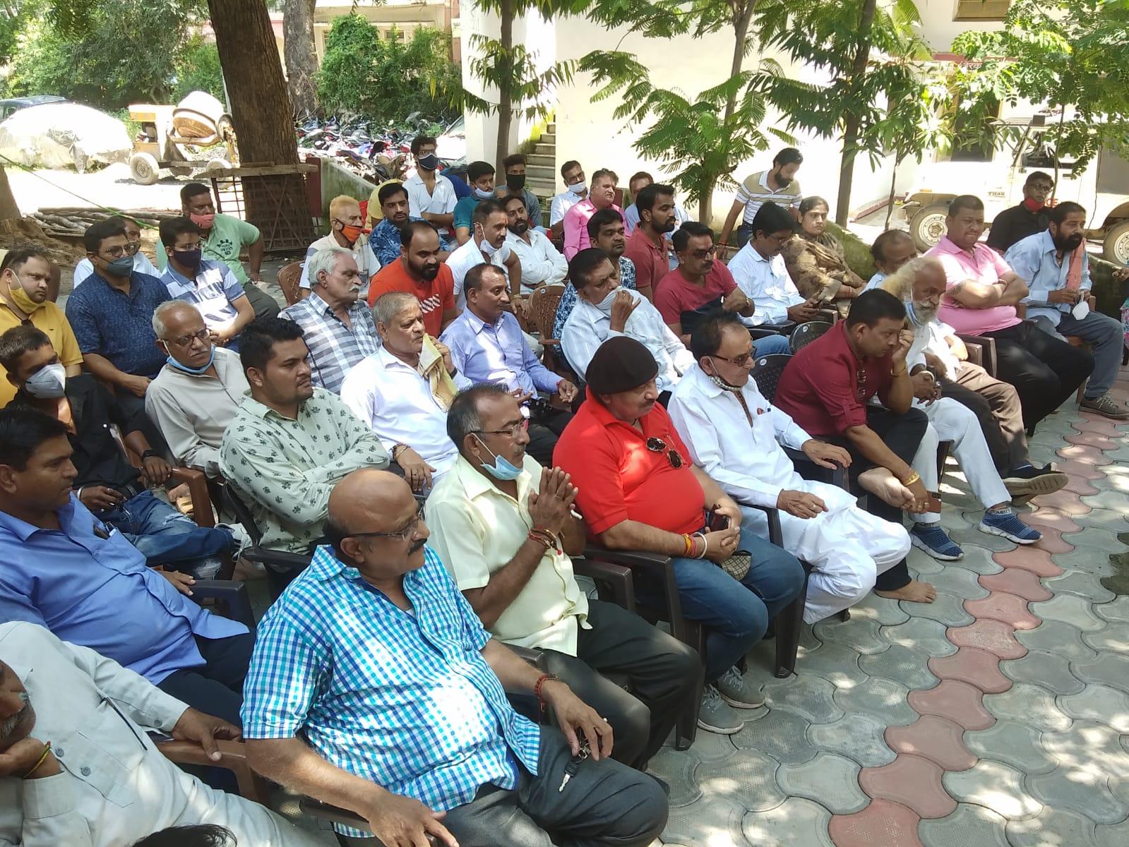 एडीएम, एसडीएम और कोतवाल ने सुलझाया विवाद, राम रेवाड़ी पर होंगे धार्मिक आयोजन, कोरोना गाइड लाइन की पालना के साथ बीच का रास्ता निकाला|बांसवाड़ा,Banswara - Dainik Bhaskar