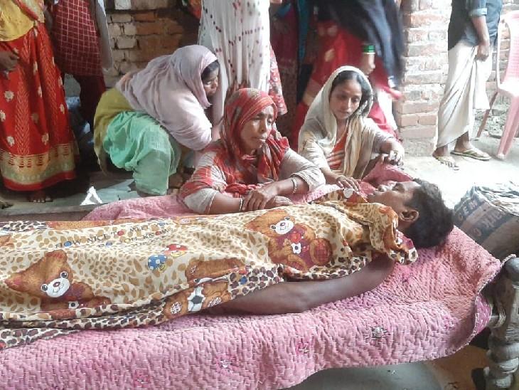 गांव के लड़कों ने पहले शराब पार्टी की, फिर युवक को पीट-पीटकर मार डाला; बचने के लिए लाश को कुएं में फेंका|भागलपुर,Bhagalpur - Dainik Bhaskar