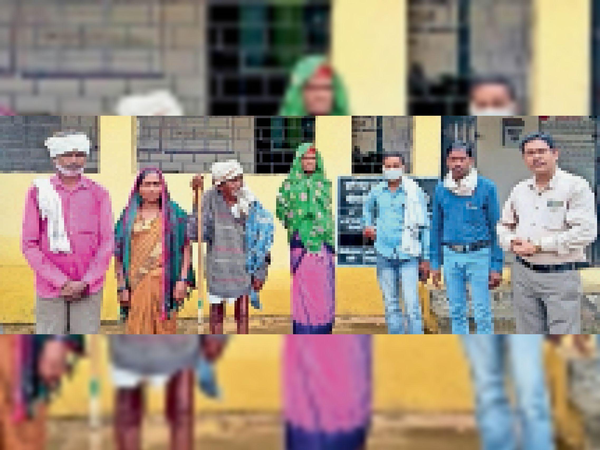 करूणा कार्यक्रम के तहत बुजुर्ग महिला की हुई घर वापसी। - Dainik Bhaskar