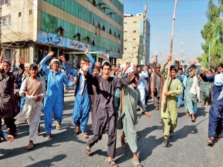तालिबान मार डालेगा या भूख मार देगी; कैदी जेल चला रहे, लोग घरेलू सामान बेचने को मजबूर हैं|विदेश,International - Dainik Bhaskar