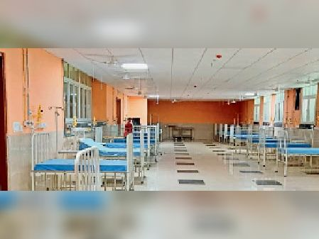 मेडिकल काॅलेज में शिशुओं के लिए तैयार बेड। - Dainik Bhaskar
