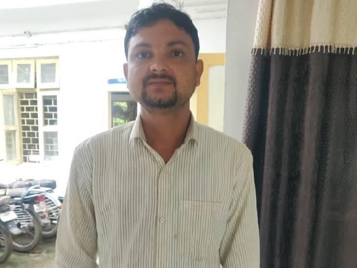 गबन करने के आरोप में सचिव पकड़ा, महिला सरपंच फरार|बैतूल,Betul - Dainik Bhaskar