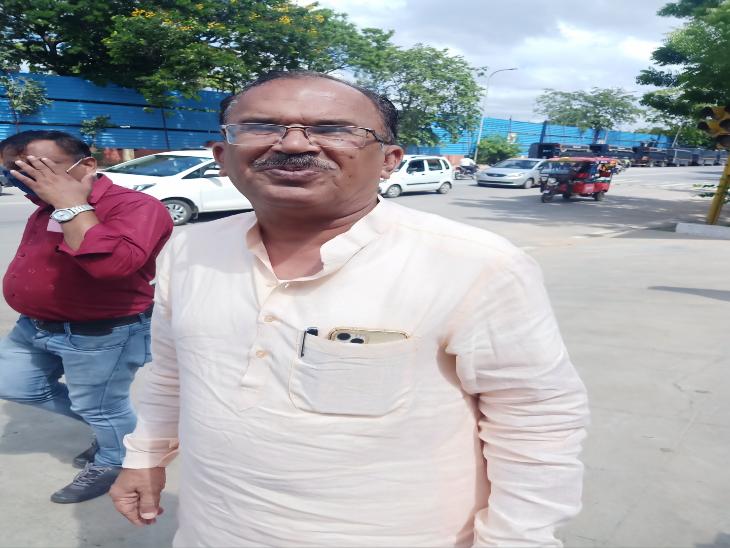 बीजेपी विधायक वासुदेव देवनानी के गम्भीर आरोप, कहा- राजनेताओं और अफसरों के कोचिंग से जुड़े हैं तार|राजस्थान,Rajasthan - Dainik Bhaskar