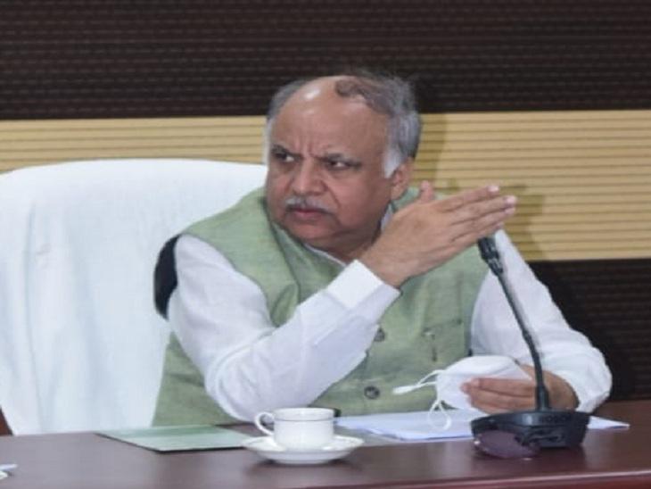 मंत्री आशुतोष ने वाराणसी में विकास कार्यों की समीक्षा की, 860 किमी लंबी सड़क के गड्ढे पटेंगे 17.92 करोड़ से; जल निगम पर हुए नाराज|वाराणसी,Varanasi - Dainik Bhaskar