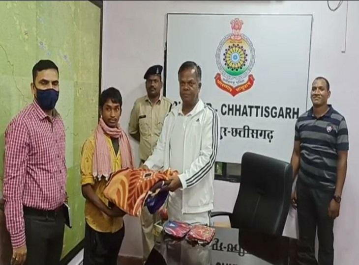माड़ डिवीजन कमेटी में थे सक्रिय; पुरुष नक्सली पर था 2 लाख का इनाम, 5 जवानों की हत्या में भी था शामिल|जगदलपुर,Jagdalpur - Dainik Bhaskar