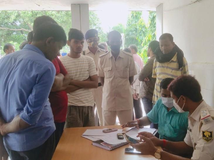 दो दिन से लापता कारोबारी की मिली लाश, गला दबाकर हत्या का शक, इलाके में दहशत|बिहार,Bihar - Dainik Bhaskar