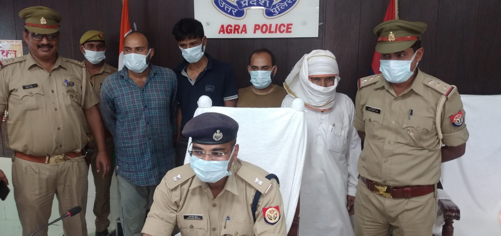 पुलिस हिरासत में रामबाबू हत्याकांड के आरोपी - Dainik Bhaskar