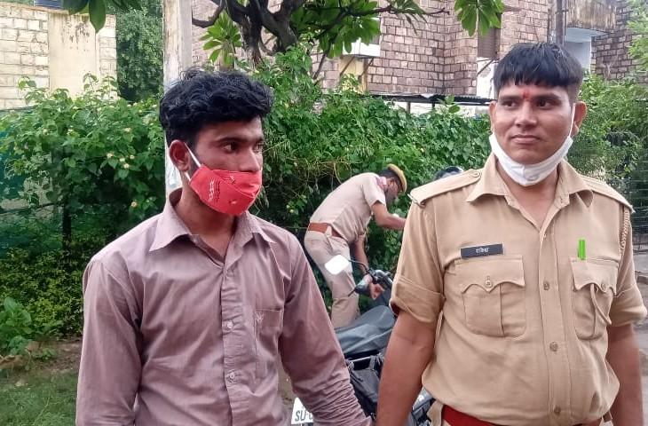 आरोपी विजय को 14 साल की सजा सुनाई है। - Dainik Bhaskar