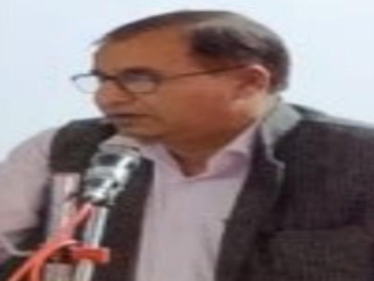 टोंक के तत्कालीन सीएमएचओ डॉ गोकुल मीणा। - Dainik Bhaskar