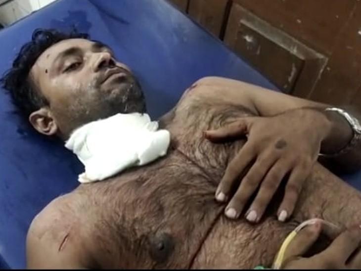 अस्पताल में घायल। - Dainik Bhaskar