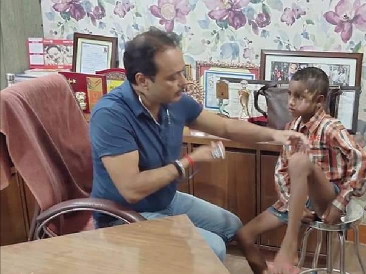 प्रियंका ने दिया था मदद का भरोसा। - Dainik Bhaskar
