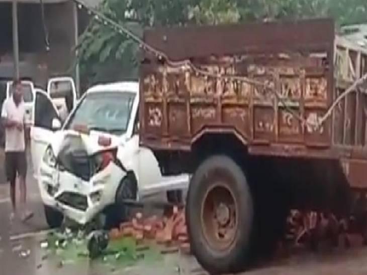 कौशांबी में सड़क हादसा। - Dainik Bhaskar