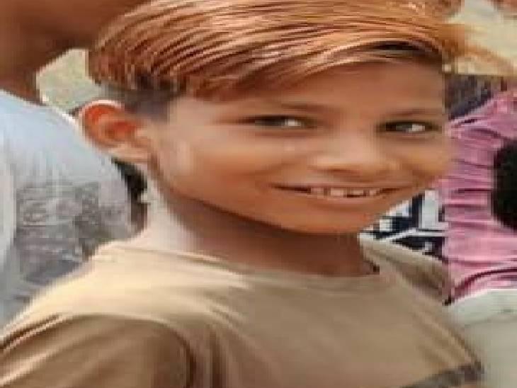 हाथरस में छत से गिरकर बच्चे की � - Dainik Bhaskar