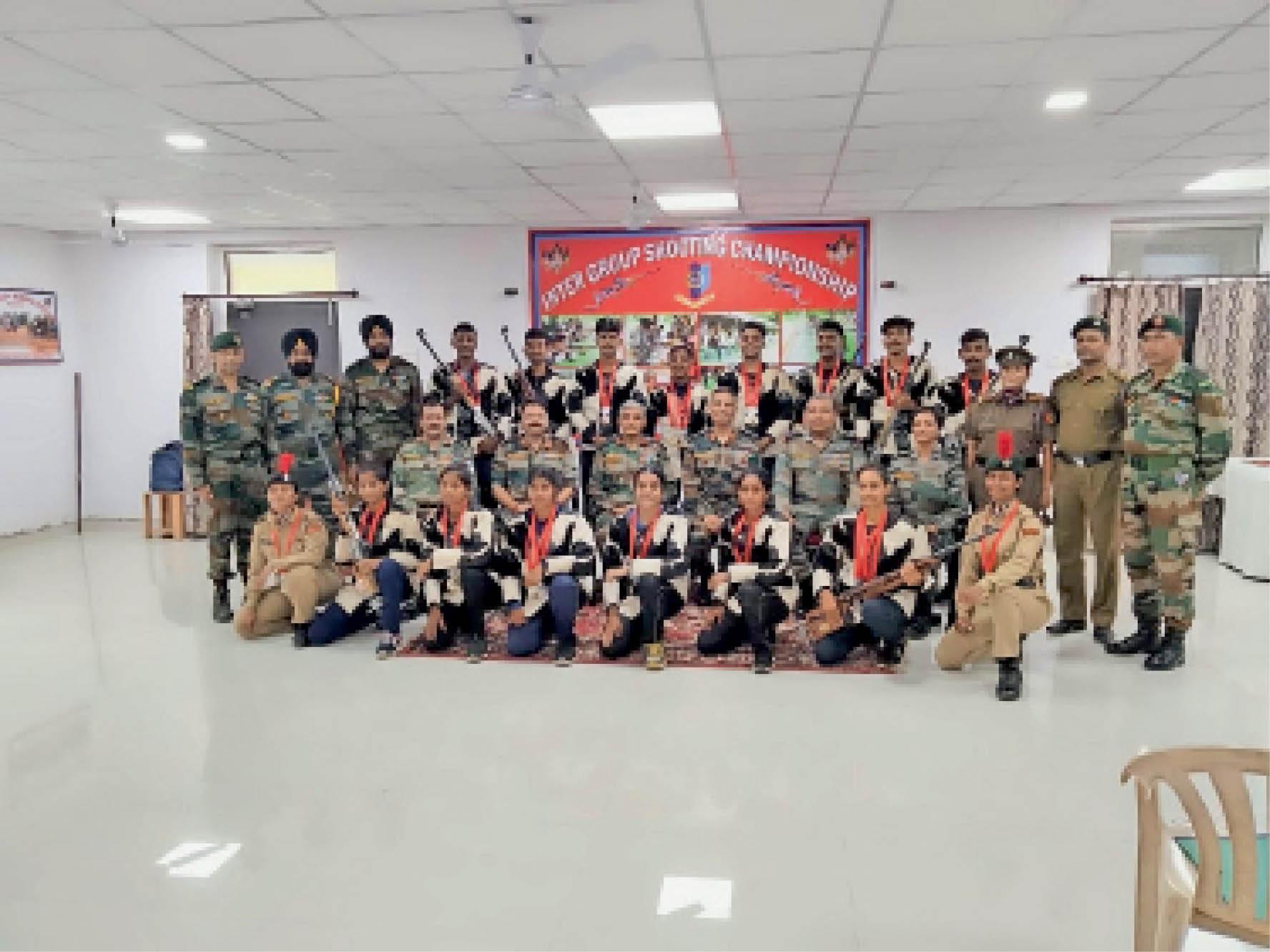 इंटर ग्रुप शूटिंग स्पर्धा में एनसीसी कैडेट ने विभिन्न श्रेणियों में 1 स्वर्ण, 2 रजत तथा 1 कांस्य पदक जीता। - Dainik Bhaskar