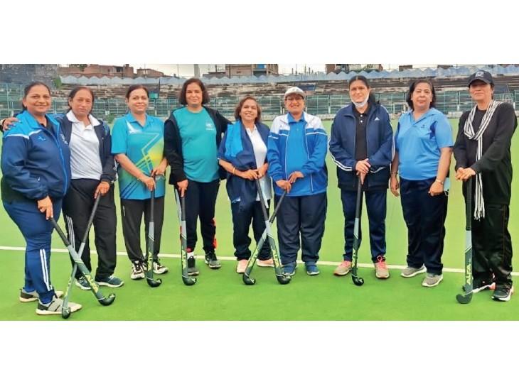 57 साल में पहली बार सिविल सेवा टूर्नामेंट में उतरेगी मप्र की महिला हॉकी टीम, इसमें सबसे बड़ी खिलाड़ी की उम्र 61 साल तो सबसे कम की 49|भोपाल,Bhopal - Dainik Bhaskar