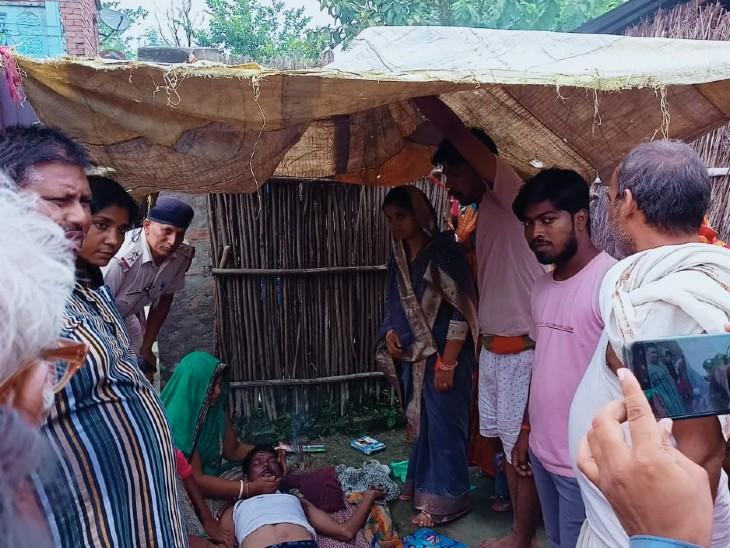 मवेशियों के लिए पानी भर रहा था युवक, डूबने से गई जान, ग्रामीणों ने कड़ी मशक्कत के बाद शव को निकाला बाहर|बिहार,Bihar - Dainik Bhaskar