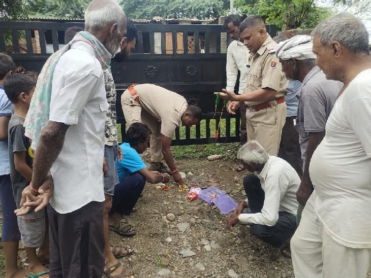 परिवार गया हुआ था बाहर, चोरों ने नकदी व आभूषण किए चोरी; सोने की आड़ को नकली समझ वही फेंक दिया|भीलवाड़ा,Bhilwara - Dainik Bhaskar