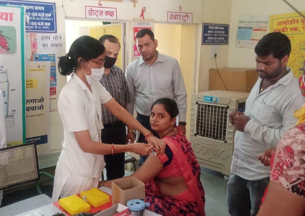 बीकानेर में वैक्सीनेशन। - Dainik Bhaskar