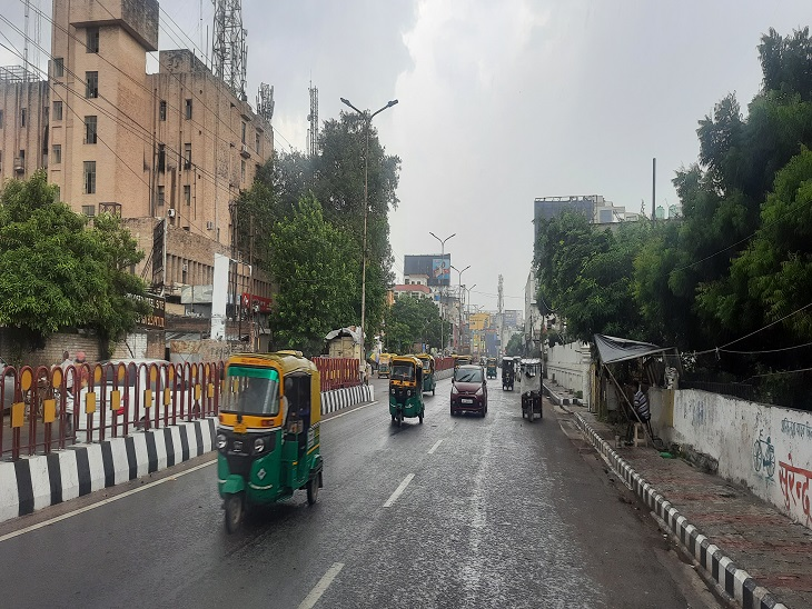 लखनऊ समेत 12 जिलों में हल्की बारिश शुरू, तेज हवाएं चल रहीं; लो प्रेशर में पहुंचा मानसून|लखनऊ,Lucknow - Dainik Bhaskar