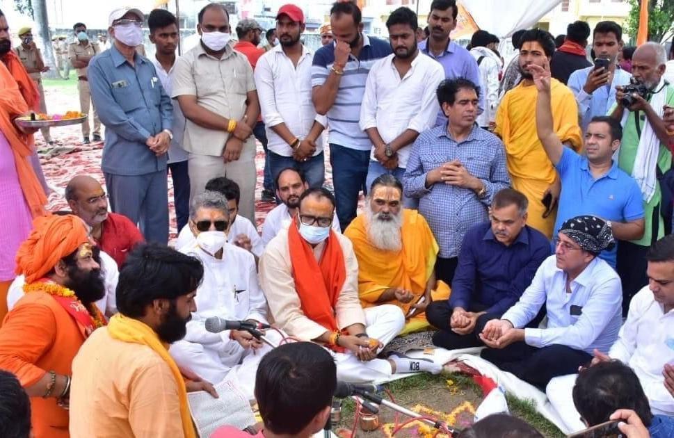 फिल्मी हस्तियों की रामलीला का कानून मंत्री बृजेश पाठक ने किया भूमिपूजन,17 सितंबर को संतों का प्रतिनिधिमंडल मुख्यमंत्री योगी आदित्यनाथ से मिलेगा|अयोध्या,Ayodhya - Dainik Bhaskar