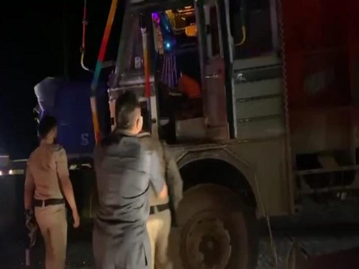 पुलिस ने ट्रक ड्राइवर को गिरफ्तार किया।