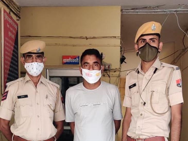 फर्जी दस्तावेज भी थमाए; बाड़मेर में ज्वॉनिंग करने पहुंचे तो हुआ खुलासा, आरोपी गिरफ्तार, पूछताछ जारी|अजमेर,Ajmer - Dainik Bhaskar
