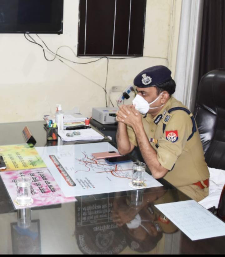 विधानसभा चुनाव से पहले इंस्पेक्टरों में भारी फेरबदल, अकेले मेरठ से 34 इंस्पेक्टर जिले से बाहर भेजे, वेस्ट यूपी में इंस्पेक्टरों की पहली पसंद गाजियाबाद|मेरठ,Meerut - Dainik Bhaskar