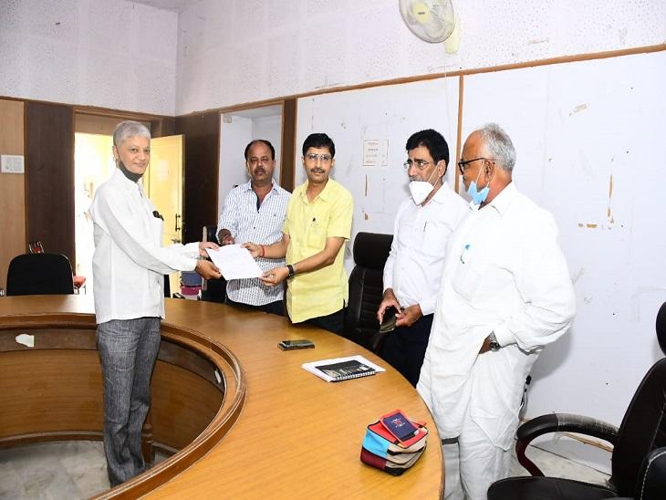 नगरपरिषद का प्री कैंप - Dainik Bhaskar