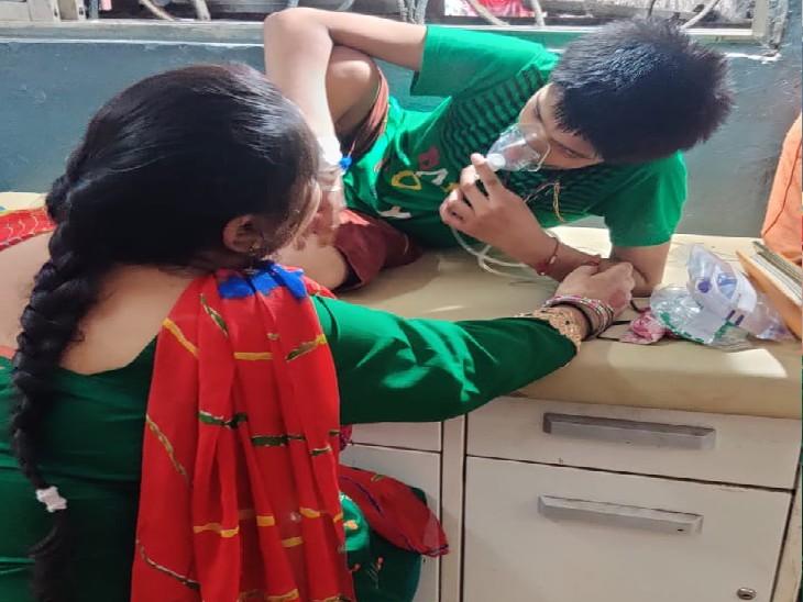 ऑक्सीजन स्पोर्ट पर हॉस्पिटल में भर्ती, तेज बुखार के साथ ऑक्सीजन लेबल गिरा; हालत बिगड़ने के बाद लोग अयांश के लिए मांग रहे दुआ पटना,Patna - Dainik Bhaskar