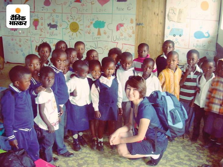 हुमैरा आज कई तरह के NGO के साथ मिलकर काम कर रही हैं। ऐसे ही एक प्रोजेक्ट के तहत वो दक्षिण अफ्रीका में गरीब बच्चों के लिए चलाए जा रहे एक स्कूल में पहुंचीं।