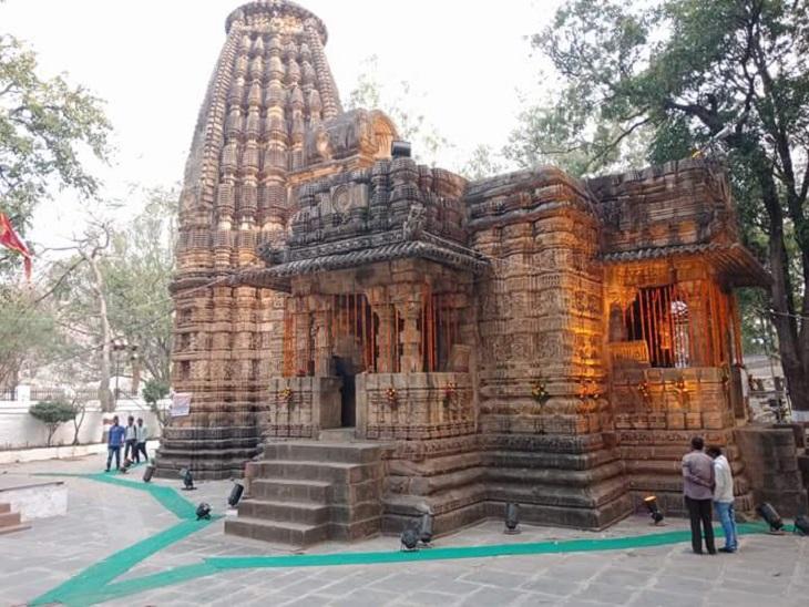 यह शिव मंदिर का उत्कृष्ट उदाहरण है।