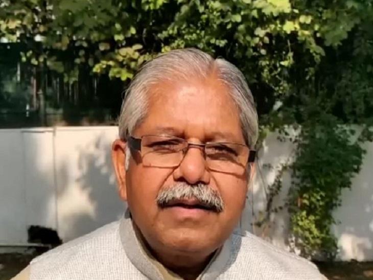 अपनी वंशावली बताएं राहुल गांधी, वह हिंदुओं से डरते हैं; देश जानता है असली कौन, नकली कौन|रायपुर,Raipur - Dainik Bhaskar