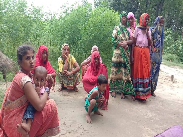 सोते समय लाठी डंडों से किया हमला, महिला के सिर को ईंट से कुचला, मौके पर ही मौत फर्रुखाबाद,Farrukhabad - Dainik Bhaskar