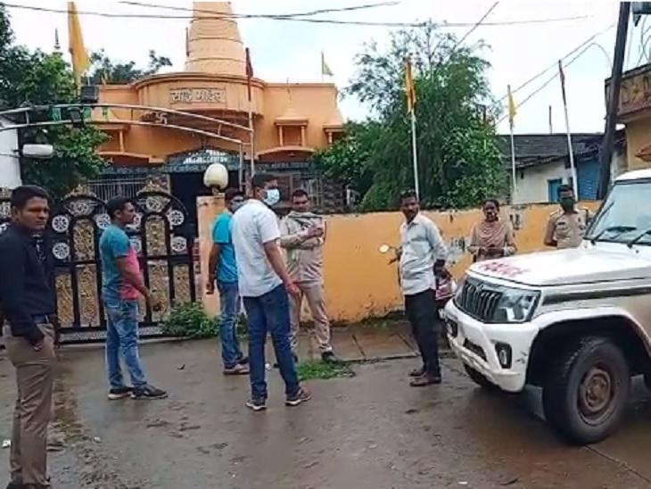 साईं मंदिर में वृद्धि करने के लिए रामायण रोधक (35) पेसर।