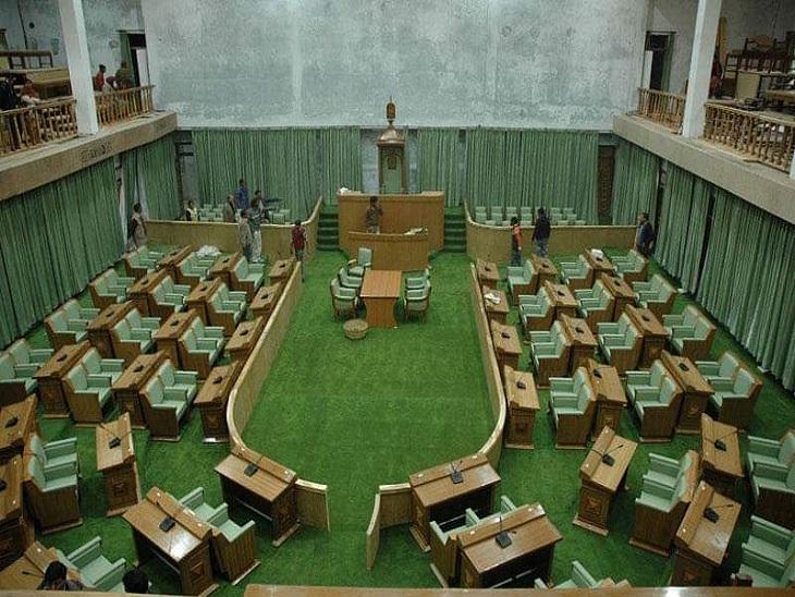 हिमाचल विधानसभा का बैठक कक्ष, जहां पर राष्ट्रपति संबोधन करेंगे।