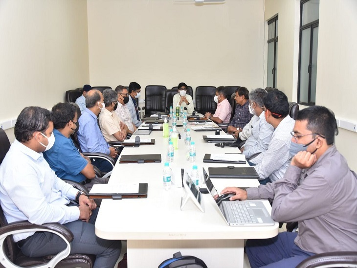 भूकंप और भूस्खलन के खतरे की मिलेगी जानकारी, धरती के अंदर की गतिविधियों का पता लगाने वाले सेंटर का हुआ शुभारंभ|कानपुर,Kanpur - Dainik Bhaskar