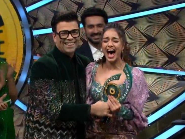 दिव्या अग्रवाल बनीं बिग बॉस ओटीटी के पहले सीजन की विजेता, ट्रॉफी के साथ जीते 25 लाख रुपए|टीवी,TV - Dainik Bhaskar