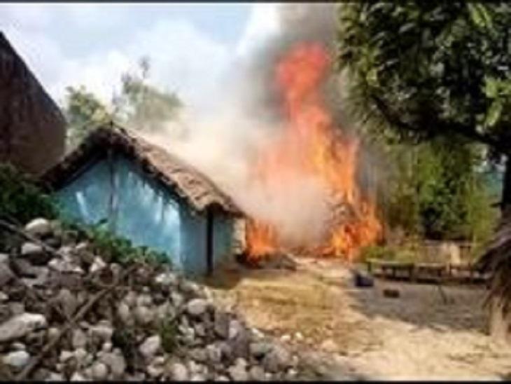 छप्परनुमा घर में लगी आग - Dainik Bhaskar