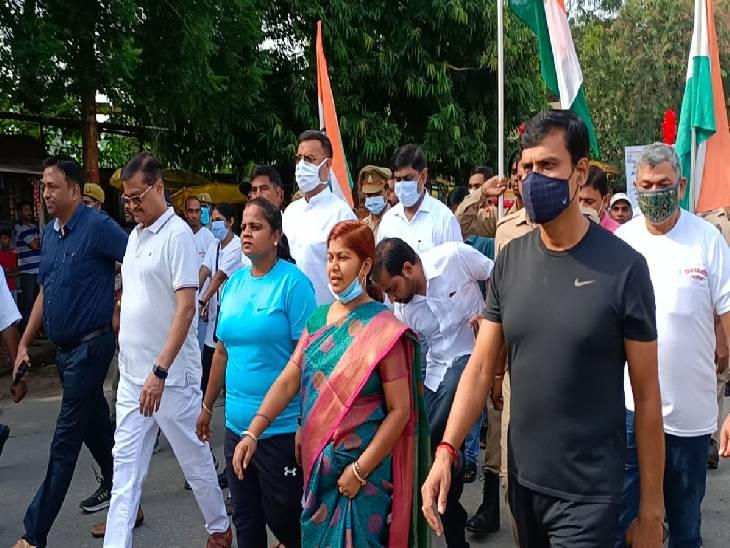7 किमी दौड़ का आयोजन, युवा और स्वतंत्रता संग्राम सेनानी के परिजन हुए शामिल; भापजा विधायक ने किया उत्साहवर्धन गाजीपुर,Ghazipur - Dainik Bhaskar