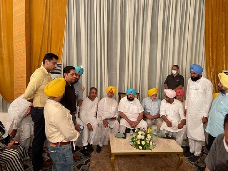 CM रहते विधायकों, पार्टी नेताओं की अनदेखी और हावी रही अफसरशाही; कैप्टन अमरिंदर सिंह को इसी दांव से पटखनी दे गए विरोधी|देश,National - Dainik Bhaskar
