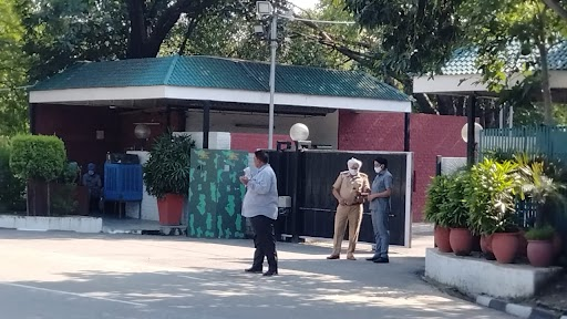 चंडीगढ़ में कैप्टन अमरिंदर सिंह के घर पर उनके गुट के विधायकों की बैठक हुई। सूत्रों के मुताबिक इस मीटिंग में सिर्फ 10-12 विधायक शामिल हुए हैं, इनमें 4 मंत्री भी शामिल थे।