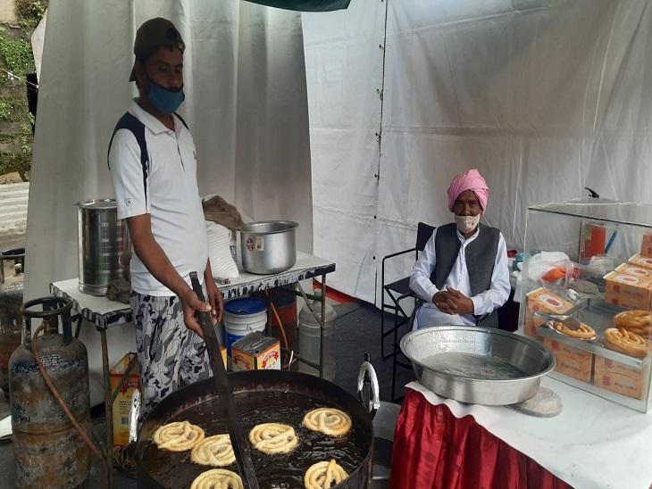 The confectioner arrived from Haryana's Fawwara Chowk, Gohana.
