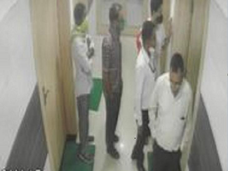 डॉ.  एक ही तरह के विपरीत आक्रमण एफआईआर|बिलासपुर,बीईपुर - दैनिक भास्कर