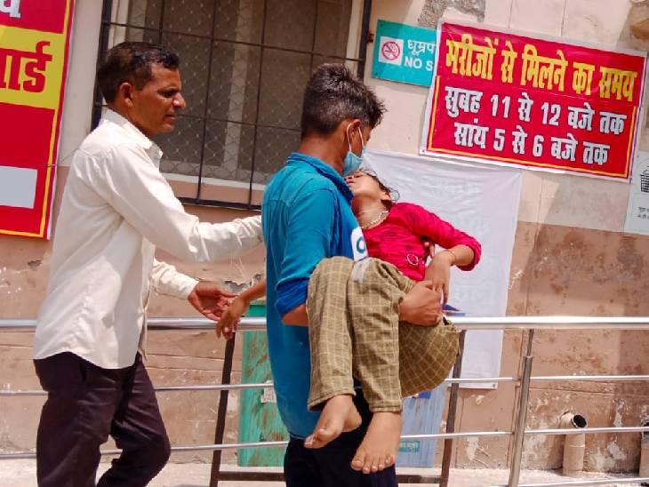 175 पहुंचा मरने वालों का आंकड़ा, कानपुर और आगरा से आए 4 डॉक्टर, डीएम बोले- जल्द सुधरेंगे हालात|फिरोजाबाद,Firozabad - Dainik Bhaskar