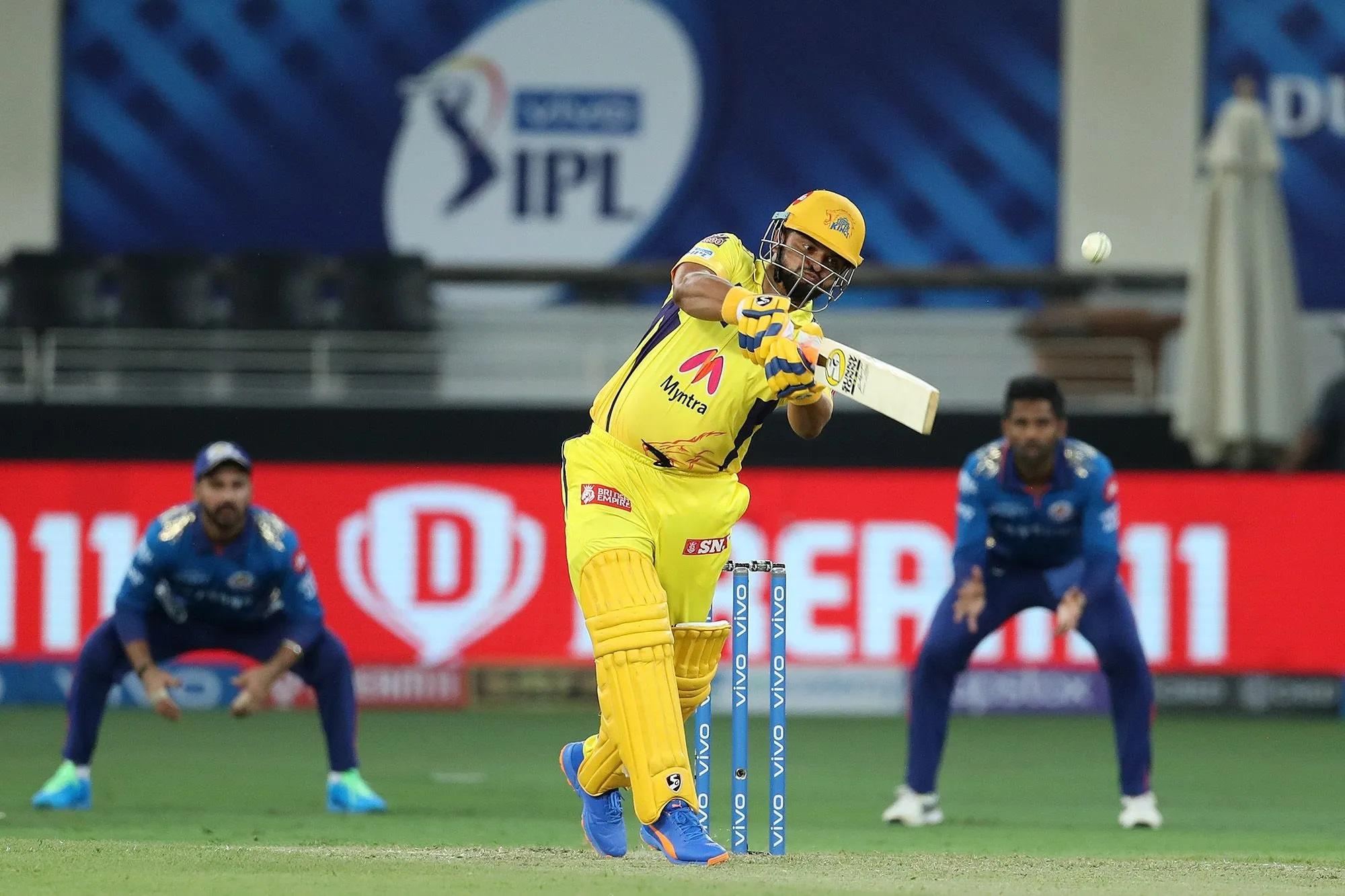 रैना ने 6 गेंद में कुल 4 रन बनाए।