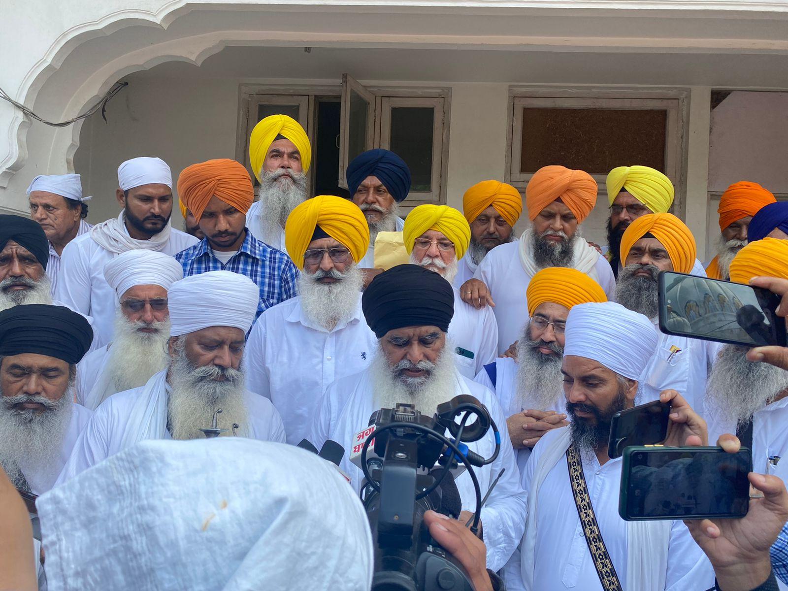 सरबत खालसा के बुलावे पर सोमवार को अकाल तख्त पर नहीं पहुंचे अमरिंदर सिंह, सिंह साहिबनों ने अब 4 अक्टूबर को हाजिर होने को कहा|अमृतसर,Amritsar - Dainik Bhaskar