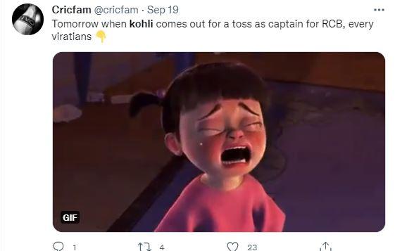 एक यूजर ने लिखा कि अगर फिर कोहली कप्तान के तौर पर टॉस करने आए उनके चाहने वालों का मुंह इस तरह बनेगा।