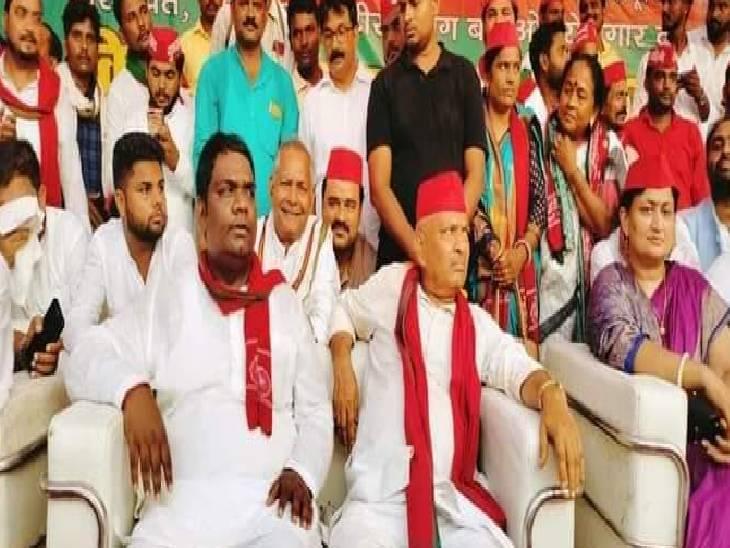 मिशन 2022 से पहले कई धड़ों में बंटे सपाई, अपनी ताकत दिखाने के लिए एक-एक विधानसभा में किए कई कार्यक्रम; सभी में पहुंचे प्रदेश अध्यक्ष|सुलतानपुर,Sultanpur - Dainik Bhaskar