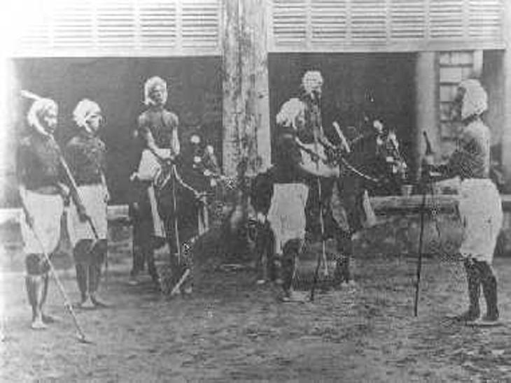 मणिपुर को पोलो खेल का जनक भी कहा जाता है। 'सागो कांगजेई' नामक एक पारंपरिक मणिपुरी खेल से ही पोलो का जन्म हुआ है।