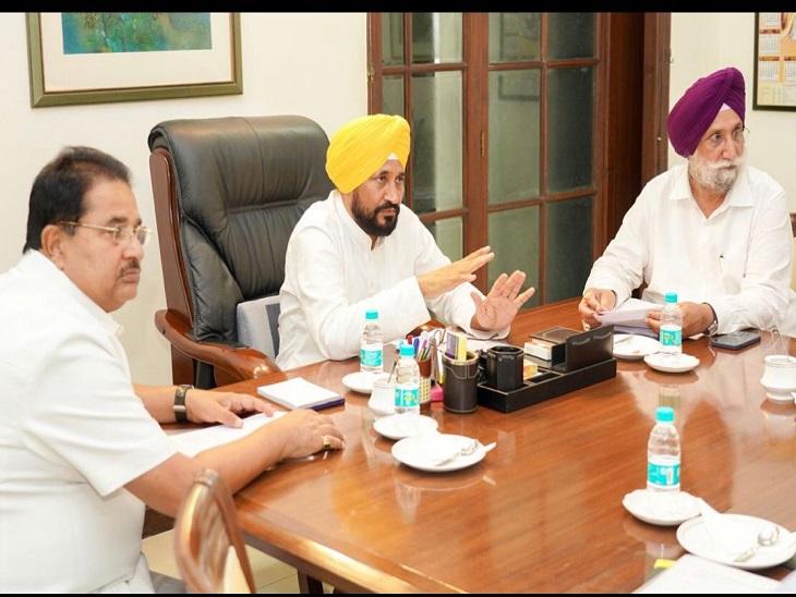 पहली कैबिनेट मीटिंग में सस्ती रेत, मुफ्त बिजली और घर का दांव; बेअदबी-ड्रग्स के मुद्दे पर फैसला नहीं|देश,National - Dainik Bhaskar